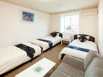 【 洋室 】 洋室の一例。3名様以上のお部屋です♪