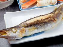 絶妙な塩加減の焼き魚も美味い!