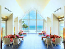 新棟『Ocean Garden』 レセプションでは瑠璃色の海がお出迎え