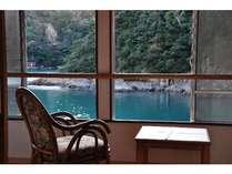 プライベートの入江を望んでゆっくりとお過ごし下さい。