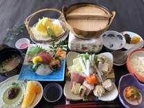 【現金特価】夕食は新鮮な海の幸・山の幸を使った会席料理★オーシャンビューのお部屋確約!!
