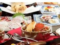 オーナこだわりの魚介のスープはヒラ爪カニをベースにじっくり炒めたお野菜とコトコト煮込んで作ります