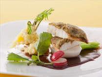旬を活かした彩り鮮やかお魚料理一例
