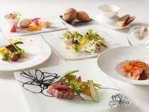 清里の食材を豪華に味わえる「特選贅をつくしたフレンチコース」 一例