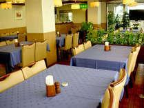 レストランは毎朝6:15オープン。和洋朝定食ご注文で「朝カレー」サービス。