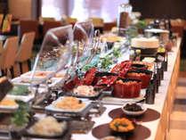 【Cafe Restaurant Lavender】での朝食ビュッフェをお楽しみください♪大満足メニューを揃えました。