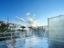 展望露天風呂「浮雲」の泉質は【白銀の湯】を引泉。やさしい泉質です。