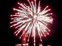 【稲取温泉初夏の花火演舞】6日間限定!夜空を彩る花火にウットリ。。