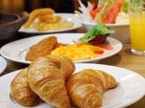【朝食バイキング付】タイムセール■早い朝でも安心6:30~・産地の恵みの朝食■テイクアウトコーヒーあり