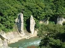【夏の夫婦岩】露天風呂から眺められます