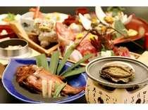 厳選した素材を用いた、こだわりの定番料理と季節の一品の数々をご堪能下さい。