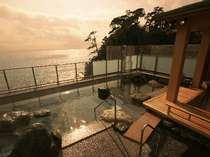 【満天露天風呂】大島から昇る朝陽が一望できる露天風呂(男性女性入れ替え制)