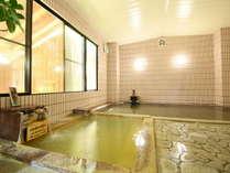 奥が『大町葛温泉』手前が『夢の湯オリジナル温泉』2つの温泉が楽しめる自慢のお風呂です!