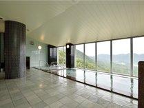 【展望風呂】高台から石見の町並みを見下ろしてゆったりご入浴♪