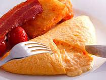ご朝食には、シェフ自慢のオムレツをぜひお愉しみください。