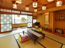 特別室和室10畳+次の間+リビング+ベッドルーム+坪庭