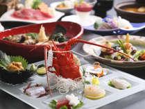 【ヴィラ楽園】料理イメージ。島の海の幸・山里の幸をちりばめたコース料理を。