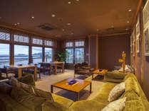 ■ 【ロビーラウンジ】海の見える眺めの良い喫煙室もご用意しています