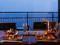 ■ 【ヴィラ楽園】料理イメージ。島の海の幸・山里の幸をちりばめたコース料理を。