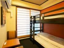 SP33洋室2段ベットの部屋 ベランダあり