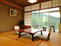 *東館低層階客室一例。3階・4階のいずれかのご用意となります。湯治目的のリピーター様におすすめです。