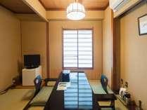 スーペリアダブルのお部屋となります。角部屋に位置し、お静かにお過ごしいただけます。