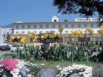 湯沢パークホテル全景(駐車場側)