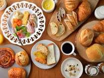 ご朝食は、メゾンカイザーテーブルのパンが食べ放題!