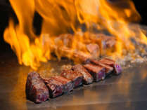 ◆夕食◆世界的なブランド<神戸牛>噛むほどに広がる甘さを熱々でご堪能。