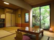 和室2間の客室一例