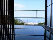 【半露天風呂】相模湾と熱海市街が一望できる半露天風呂