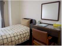 シングル1泊3,300円から!バス・トイレ付、Wi-Fi、有線LANできます。(ケーブルあり)