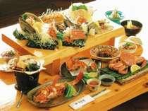 露天風呂付客室プラン夕食一例。近海で獲れた新鮮な海の幸づくし!北海道を味わおう!