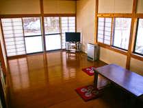 20畳リビング床暖房付き♪ キッチン、和室付きだから、グループでもご家族でもみんなで楽しめます!