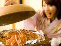 焼きガニは陶板でふっくら。蓋を開けたら「わ~っ!いい香り♪」