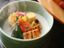 ≪お料理一例≫松園荘名物、湯の花温泉蒸し。