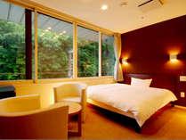 ≪ダブルベッドルーム一例≫ゆったり休める150cm幅のダブルベッドを設置♪快適にお過ごしいただけます。