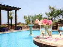 リゾート気分満喫♪相模湾を望む屋外プールは夏季オープン!
