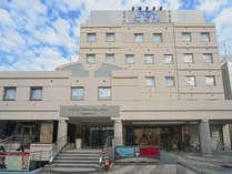 ようこそ。ホテルとざんコンフォート小田原へ。駅から徒歩2分。