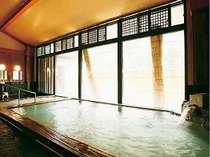 毎日替わりに代わる「大浴場」上忍の湯・泡風呂を併設