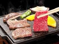 三重ブランドの伊賀牛を石板でじ~っくりと。トロっととろけるお肉を。