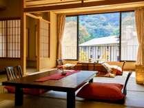 【新館】KOMOREBI~堀こたつ客室から渓谷を望む~