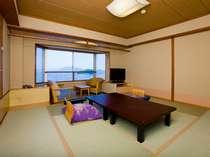 10畳の和室(バス・トイレ付)