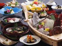 鯛の姿造り・伊勢海老・さざえの船盛り付き料理