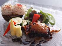 季節の料理一例~『鮑のバター焼き鱧焼き霜』~