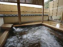古代檜を使用した檜露天風呂