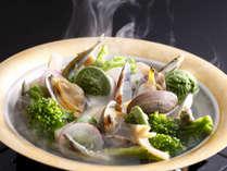 季節の料理一例~『浅蜊の小鍋仕立て』~