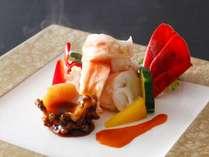季節の料理一例『伊勢海老の温サラダ』