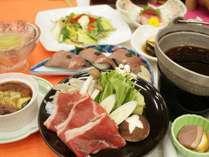 【菊水の夏の定番】《華膳》牛すき焼き&ローストビーフの握り寿司