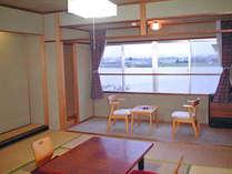 ~和室一例~全客室より北利根川が一望できます。